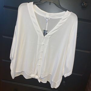 White casual flowy top